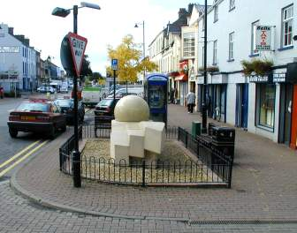 The monument in Limavady